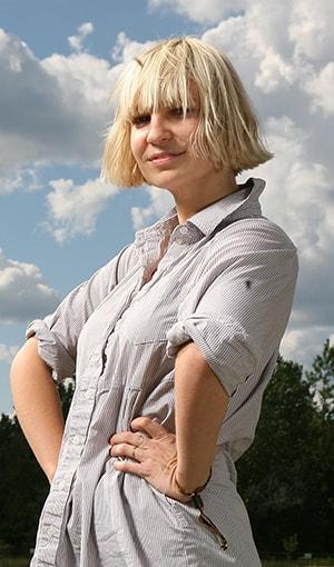 Sia Şarkı Sözleri SarkiSozleriHD.com