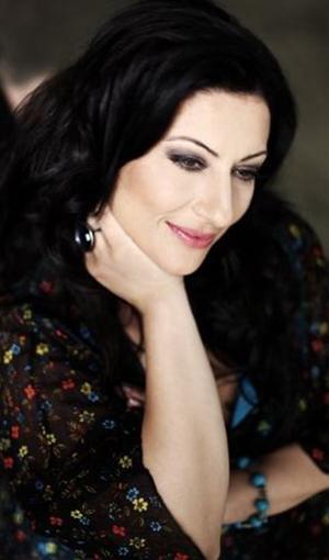 Gülay Şarkı Sözleri SarkiSozleriHD.com